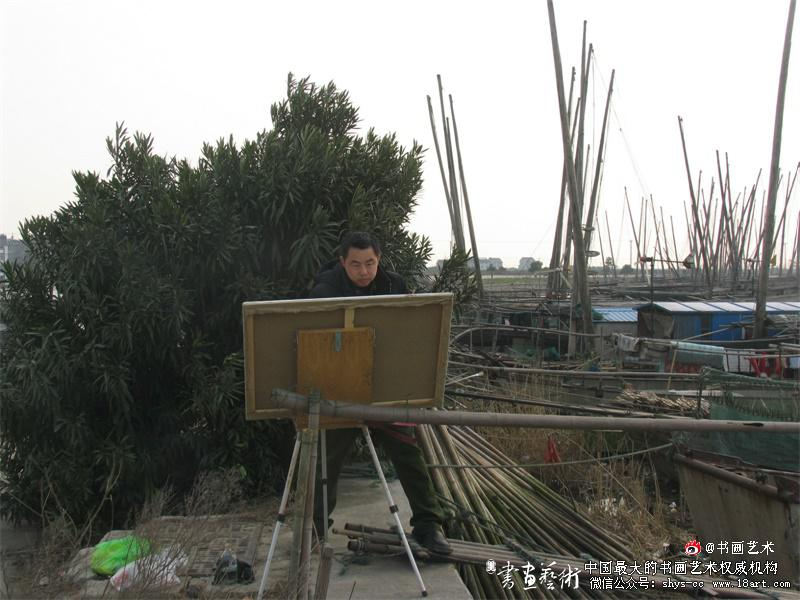 陈树东在长江江阴段围绕国家重大历史题材美术创作工程作品《百万雄师过大江》写生